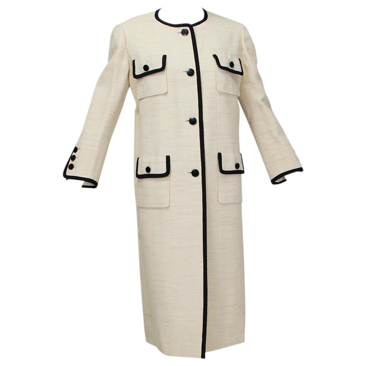 Traina-Norell Mod Ivory ¾ Coat with Contrast Piping - Medium, 1950s