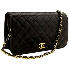 Chanel Black Quilted Flap Lambskin Chain Shoulder Bag Clutch
