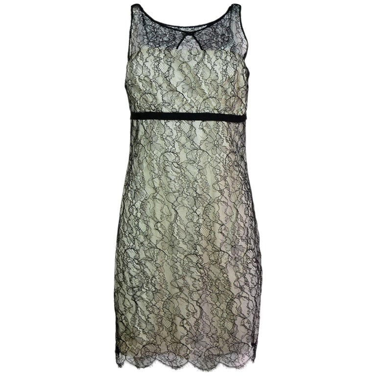 b3b924a5f94 Red Valentino White and Black Lace Dress Sz IT44 For Sale at 1stdibs