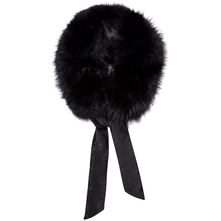 Verheyen London Circle Stand up Collar in Black Fox Fur & Silk Lining