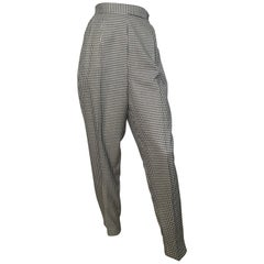 Pierre Cardin 1980s Houndstooth Pleated Pants with Pockets Size 8 / 10.