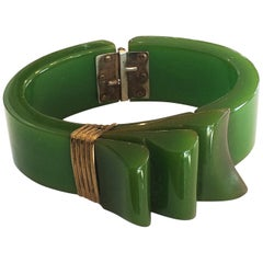 Rare Art Deco Jade Green bakelite ribbon hinged clamper bangle