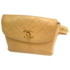 Vintage CHANEL beige calfskin waist purse, fanny pack, hip bag with gold CC.