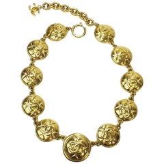 Chanel Vintage Necklace in Gilt Metal