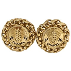 Chanel 1980s Vintage Gold Plated CC Logo Wheat Clip On Earrings