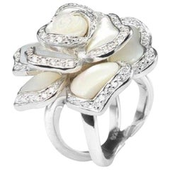 Sterling Silver Rhodium Plating Flower Style Mother Of Pearl Fashion Ring byFeri