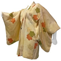 1960s Japanese Silk Floral Print Kimono With Front Tie Closure