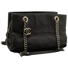 CHANEL Soft Caviar Chain Shoulder Bag Black Leather Silver Zipper
