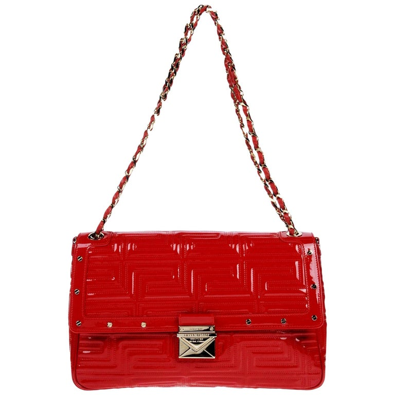 1c28ad4e7f New Gianni Versace Couture Red Patent Leather Gold Chain Medium Shoulder Bag  at 1stdibs