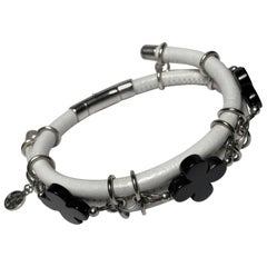 Rock Lily White Leather Bangle Bracelet With Black Agate Clovers In 925 Silver