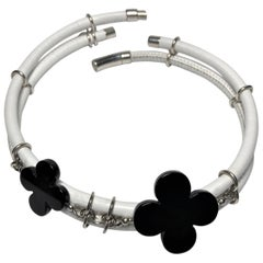 Rock Lily ( NEW ) White Leather Choker With Black Agate Clovers In 925 Silver