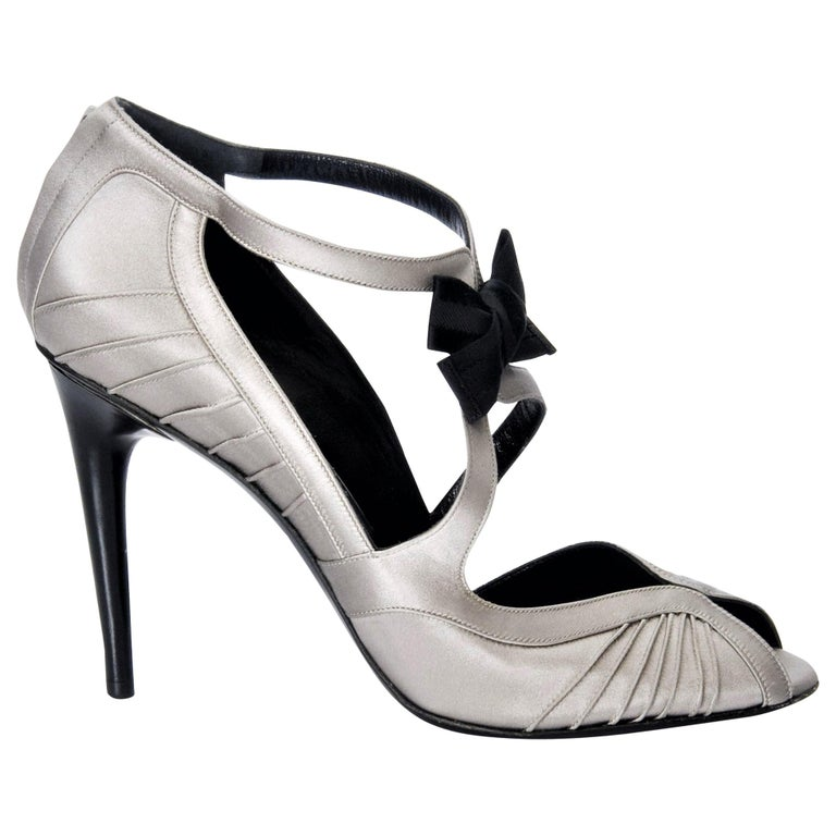 d32fa3c90d2f New Tom Ford for Gucci Satin Runway Ad Heels Pumps Sz 8.5 For Sale ...
