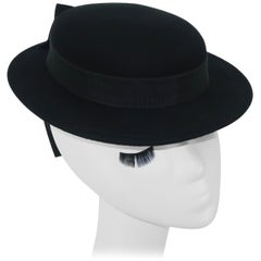 1950's Sonni San Francisco Black Wool Felt 'Tilt' Hat With Back Strap & Bows