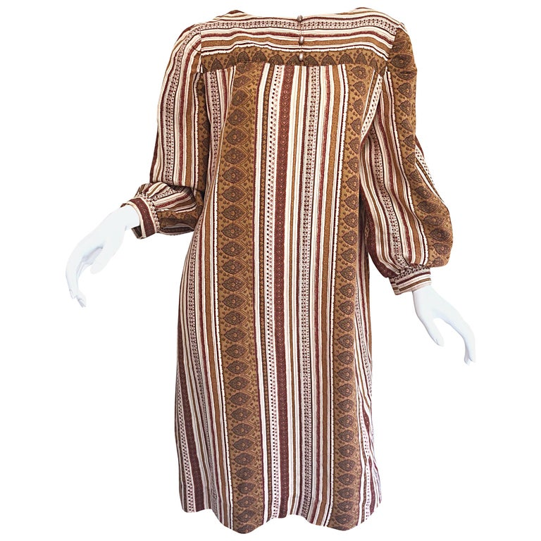 1970s Boho Chic Brown and Ivory Soft Cotton Paisley Print Vintage 70s Dress For Sale