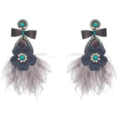 Lagoa-S Mother-of-Pearl and Ostrich Feather Earring