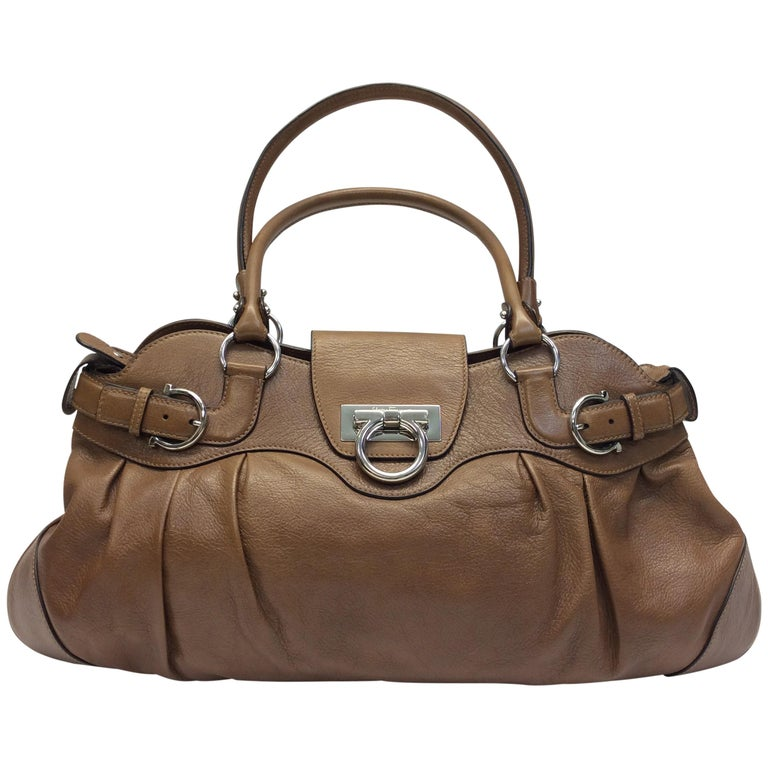 aef2812ea0 Salvatore Ferragamo Brown Leather Shoulder Bag For Sale at 1stdibs