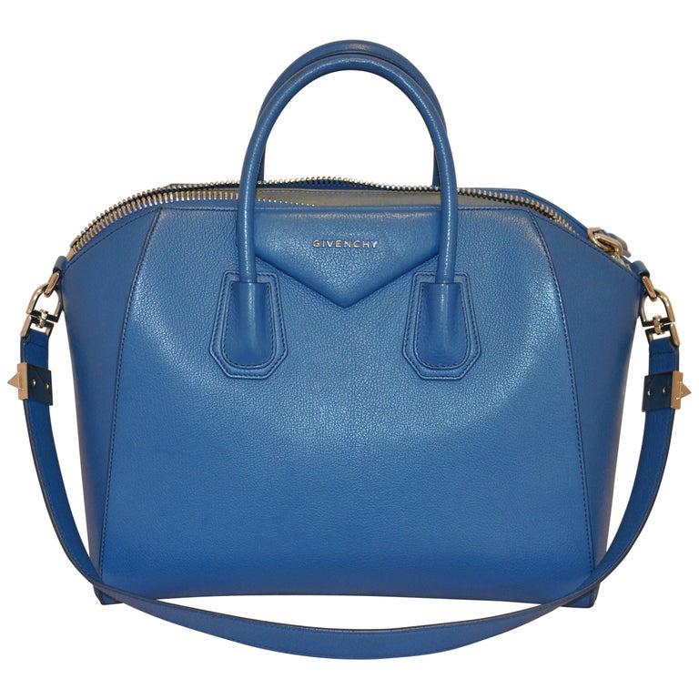 Superb Givenchy Sugar Goatskin Medium Electric Blue Antigona handbag  For Sale