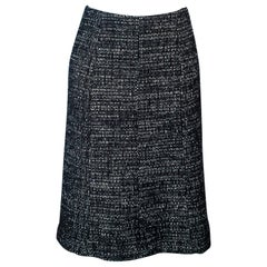 CHANEL Black and White Tweed Flare Skirt Size 36