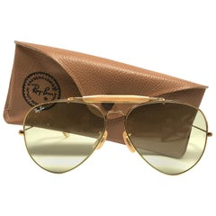 Mint Ray Ban Vintage Aviator Gold Green Lenses 62Mm B / L Sunglasses, 1970s