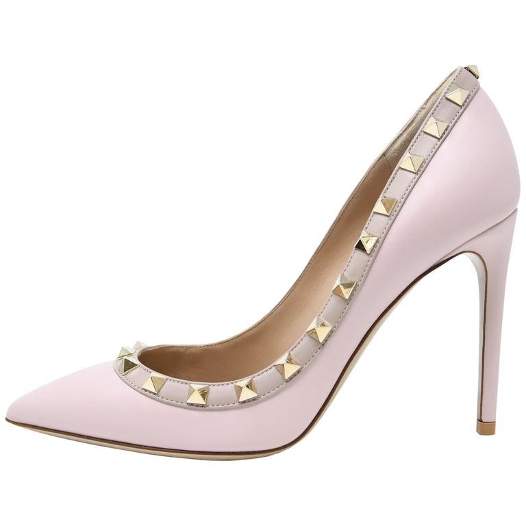 0a9fa07ef1d6 Valentino Rock Stud Light Pink Pumps - Size 36 1 2 For Sale at 1stdibs