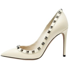Valentino Rock Stud Off White Pebbled Leather Pumps - Size 36 1/2