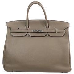 Birkin Hermes 40 in Etaupe leather. good condition