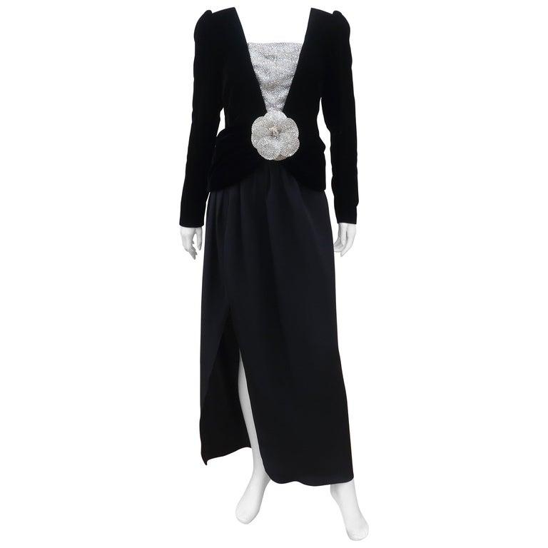 C.1990 Oscar de la Renta Black Velvet Two Piece Dress With Silver Sequins For Sale