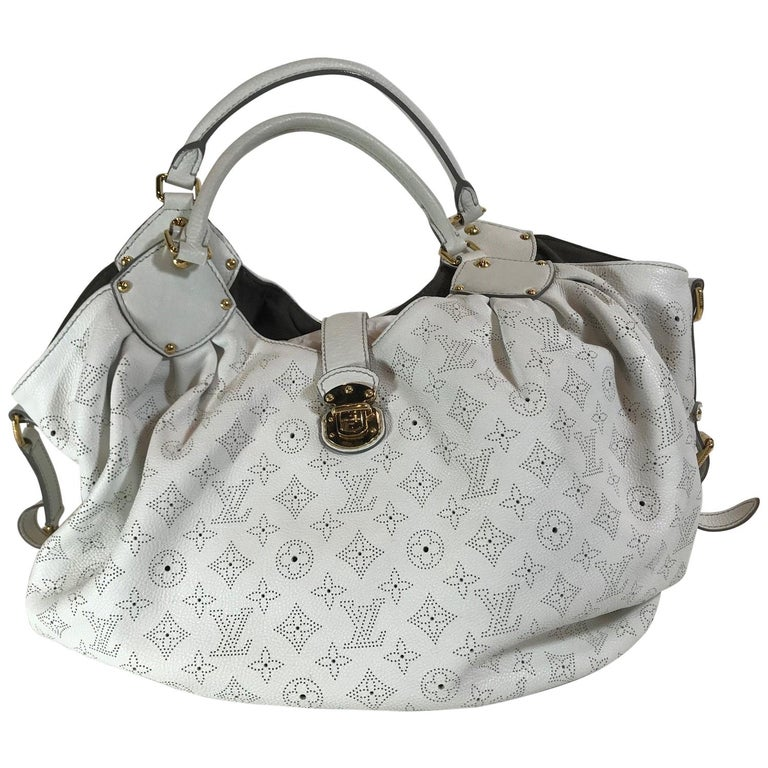 b54a827de91 Louis Vuitton Mahina XL Hobo Bag For Sale. White monogram.