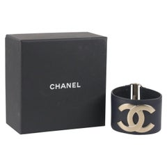CHANEL Dark Blue Leather Exclusive Edition 2017 Armband Bracelet with box