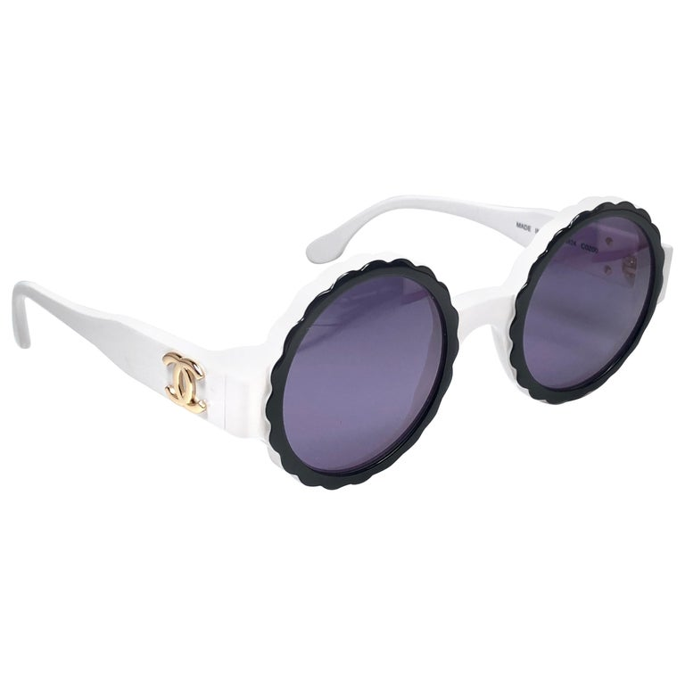 New Vintage Chanel Spring Summer 1993 Camelia Sunglasses Made In Italy For Sale