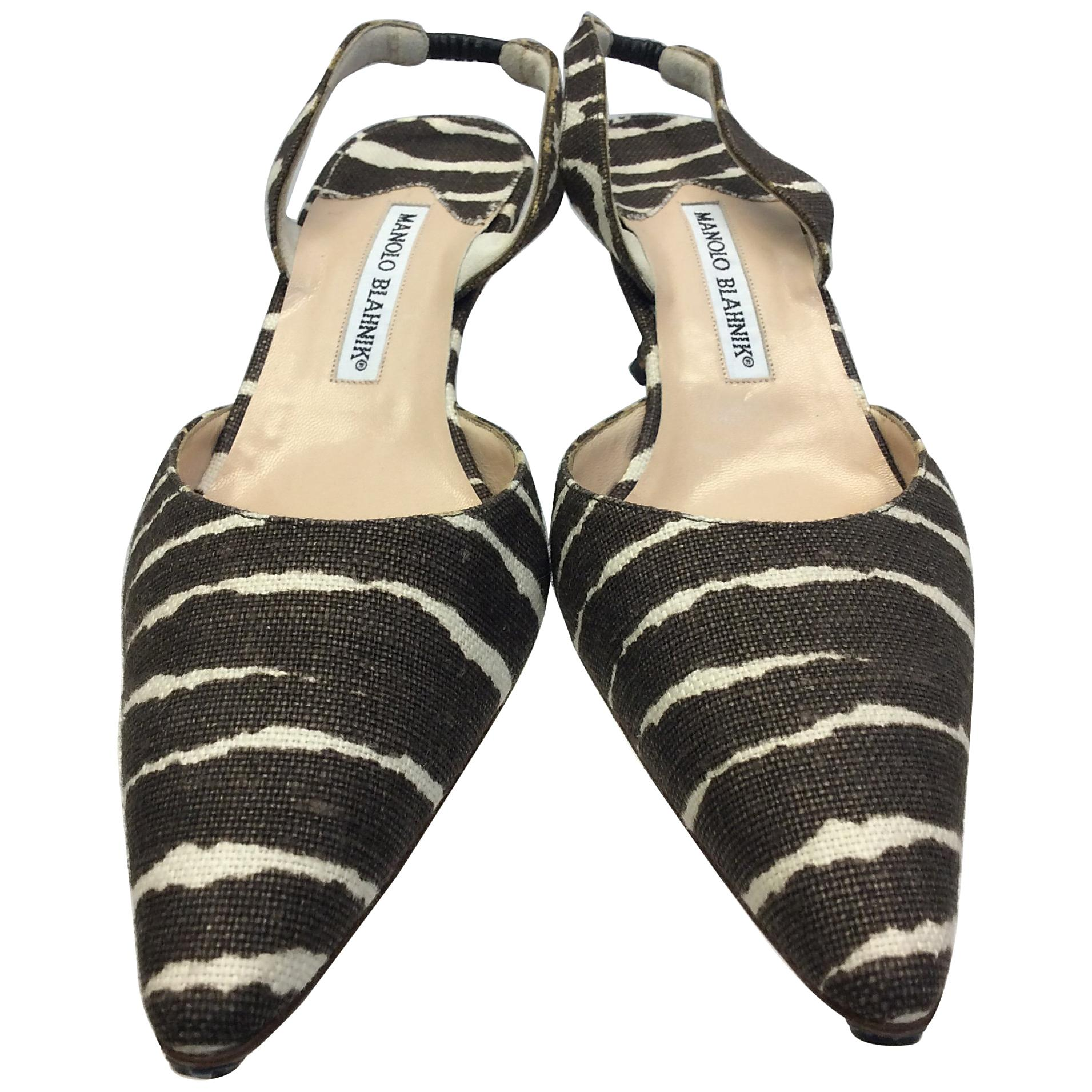 22bbc5b71327 Manolo Blahnik Brown and White Stripe Slingback Heels For Sale at 1stdibs