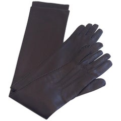 Hermes Chocolate Lambskin Leather Gloves, size 6 (small)