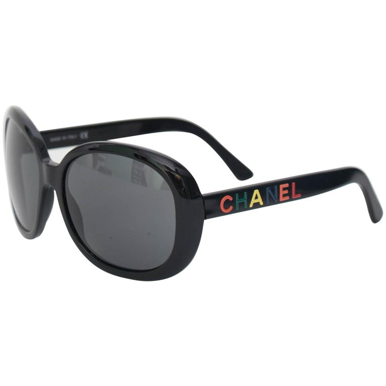 274660d7aca A Pair of 1990s Vintage Black Chanel Sunglasses For Sale at 1stdibs