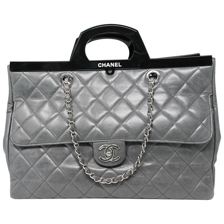 4cabd6ab859a Chanel Black Resin Handle Grey Calfskin Leather Large Shopping Tote For Sale