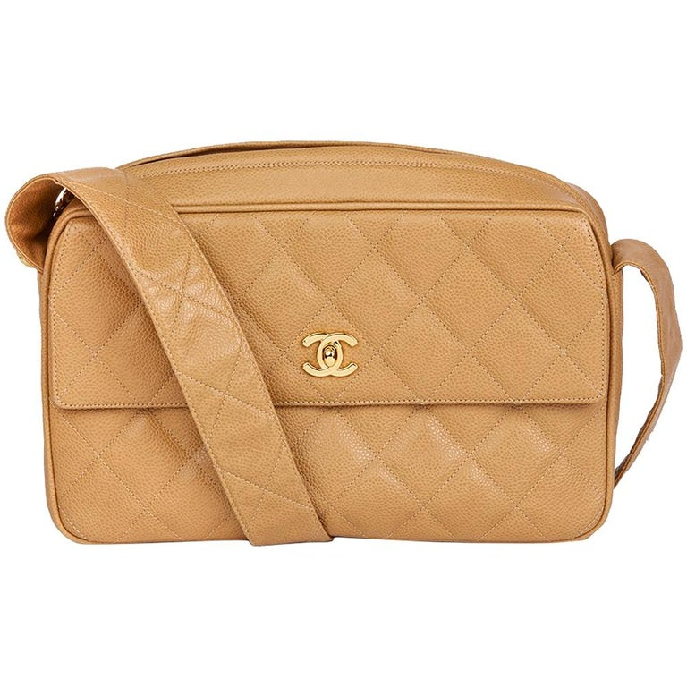 1994 Chanel Beige Quilted Caviar Leather Vintage Classic Camera Bag For Sale