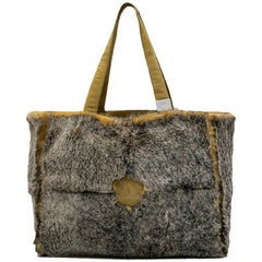 CHANEL Bag in Gray and Yellow Orylag Fur