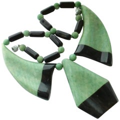 Green and Black Galalith and Faux Shagreen European Art Deco 1930s Necklace