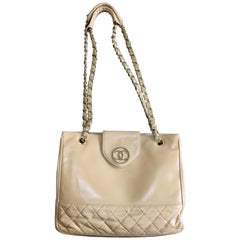 Chanel Vintage beige calf leather large chain shoulder tote bag with golden CC