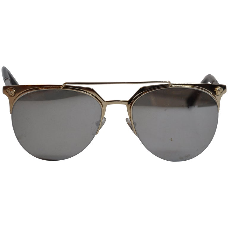 a44027641ed Gianni Versace Signature Polished Gilded Gold Hardware Sunglasses For Sale  at 1stdibs