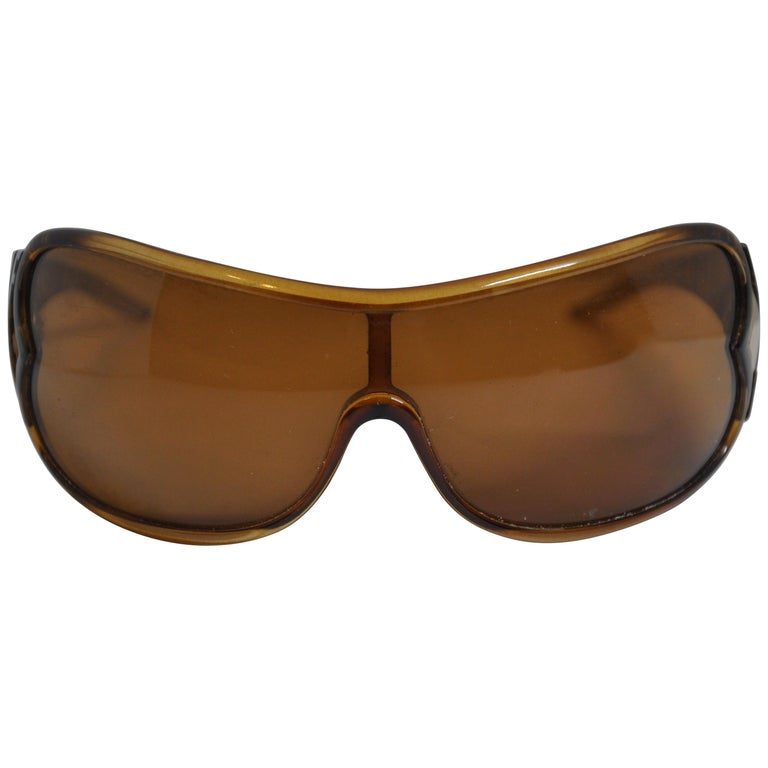 d0305c3961fd2 Roberto Cavalli Bold Golden Brown Etched Lucite Curved Sunglasses For Sale