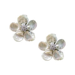 Mei's White Keshi Pearl Flower Button Clip Earrings