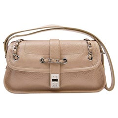 CHANEL Bag in Beige Grained Leather with a 2.55 Clasp