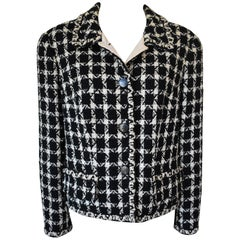 Chanel Classic Houndstooth Boucle Jacket in Black and White, 1998C