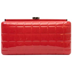 CHANEL Clutch in Red Patent Leather