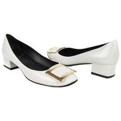 Roger Vivier Shoe Belle de Nuit Pump Dove Gray w/ Buckle 38 / 8 box