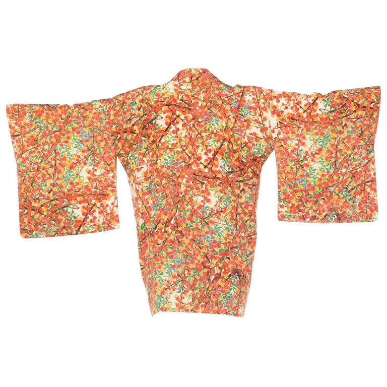 Handmade Japanese Kimono in Silk With Gold Details