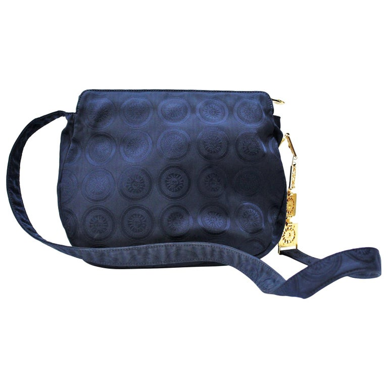 04e29362a2b Gianni Versace Vintage Shoulder Bag For Sale at 1stdibs