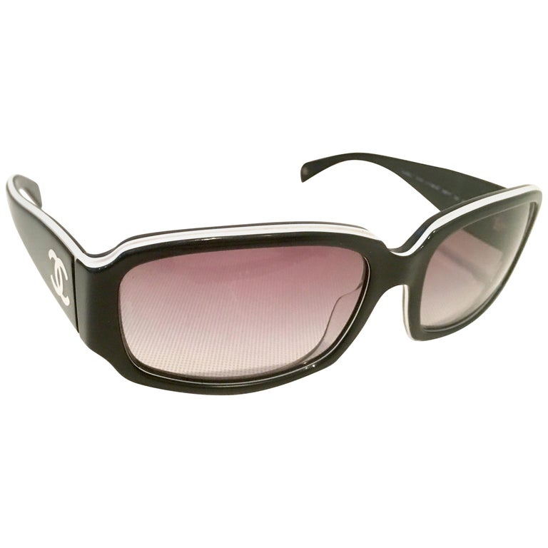 """Chanel Italy 20th Century Black and White """"CC"""" Logo Sunglasses  For Sale"""