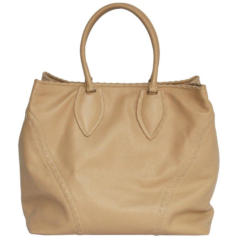 ALAÏA Large Tote Bag in Beige Grained Leather For Sale