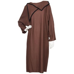 Chloé Vintage Brown Wool Dress with Black Trim And Pointed Collar